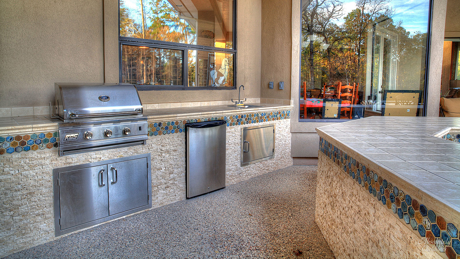 The Woodlands Custom Outdoor Bar Landscape Design