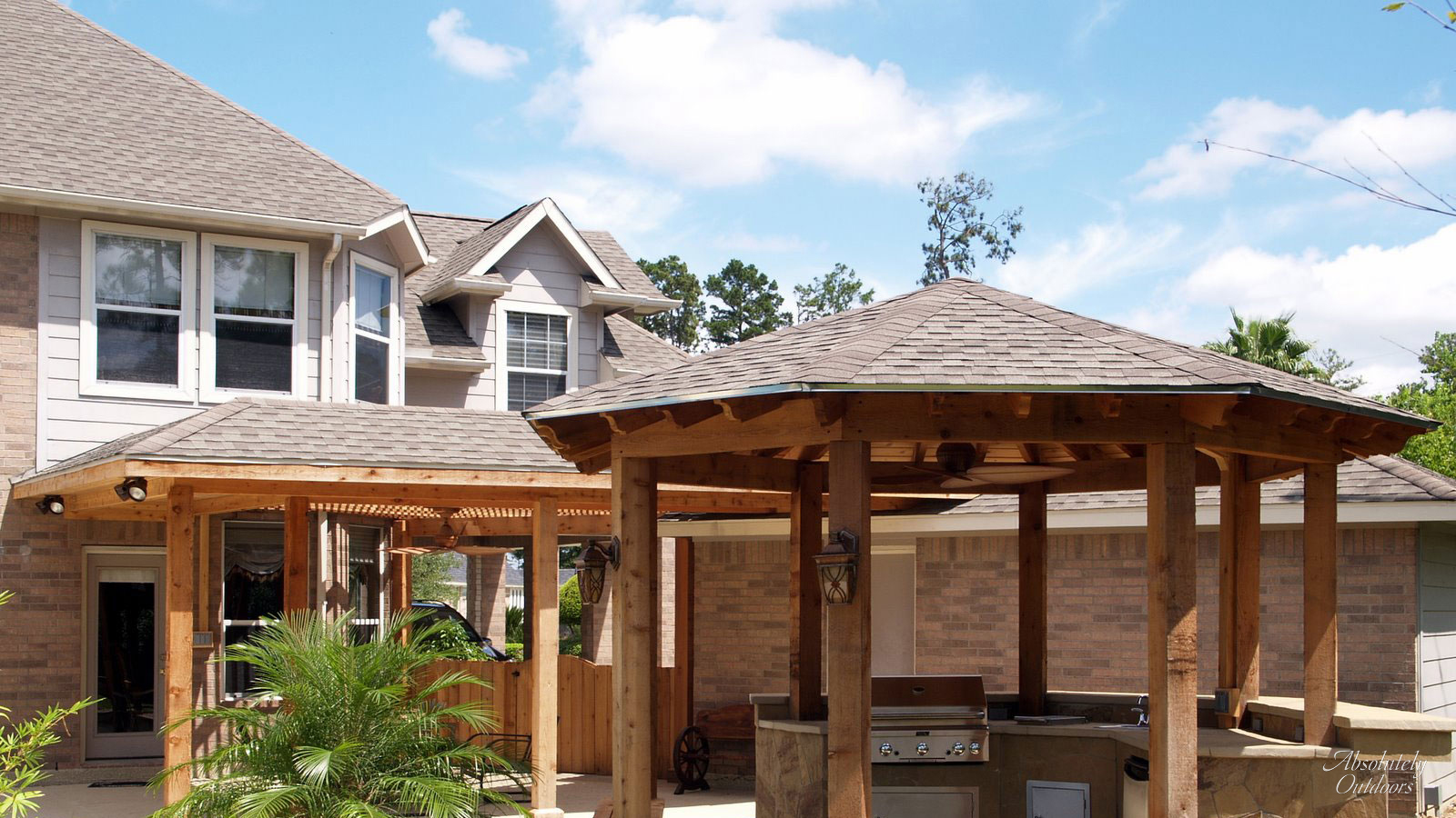 The Woodlands Custom Outdoor Kitchen