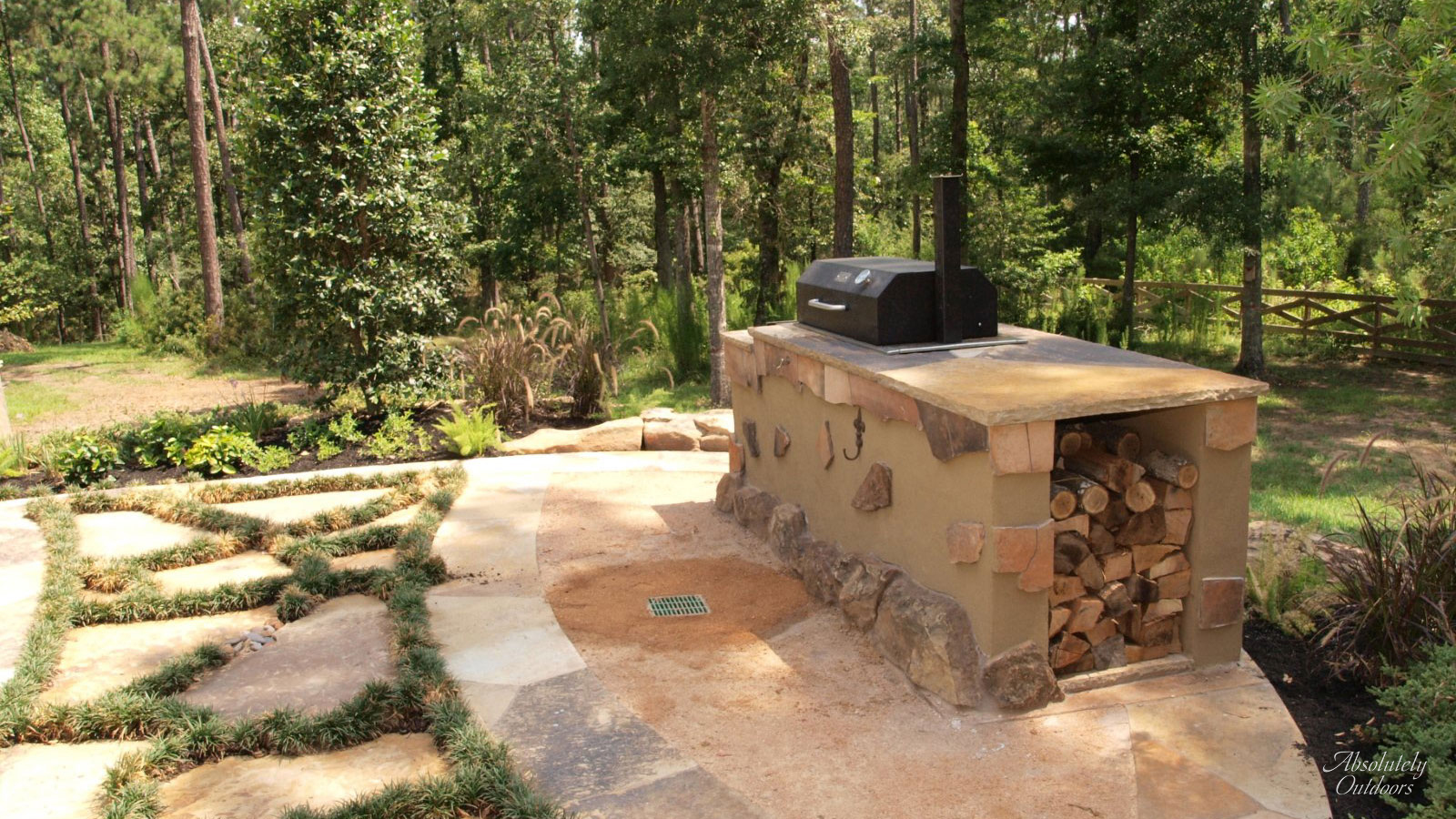 The Woodlands Custom Outdoor Grill Landscape Design