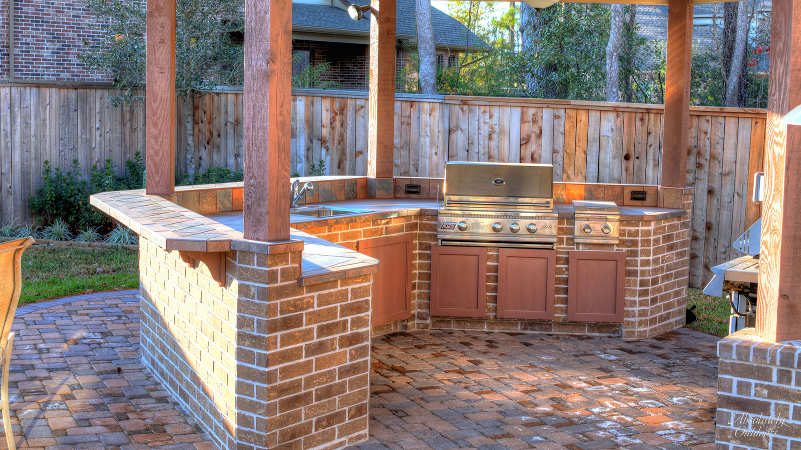 The Woodlands Custom Outdoor Grill Design