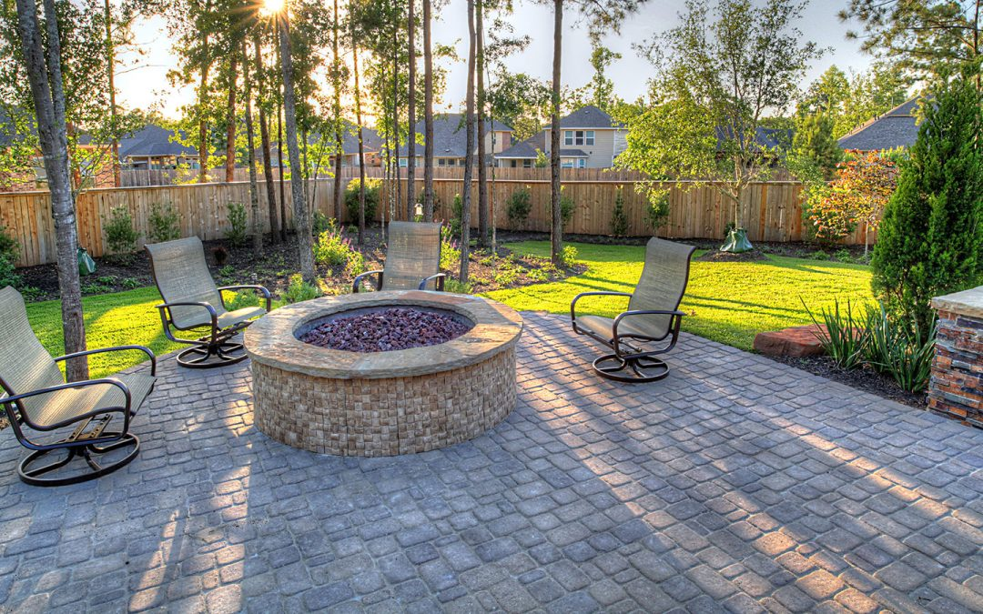 7 Outdoor Flooring Options For a Welcoming Patio