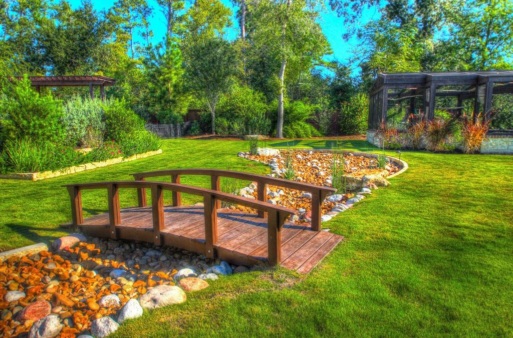 Top 3 Reasons to Work with a Professional for Landscaping Projects