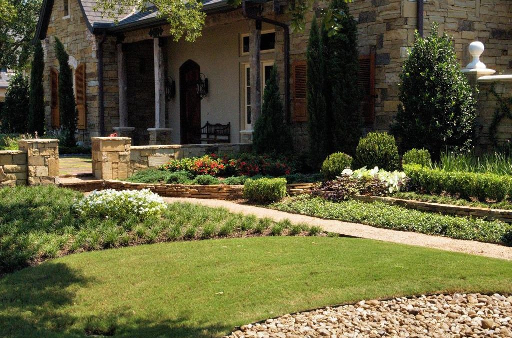 7 Front Yard Landscaping Strategies for More Curb Appeal