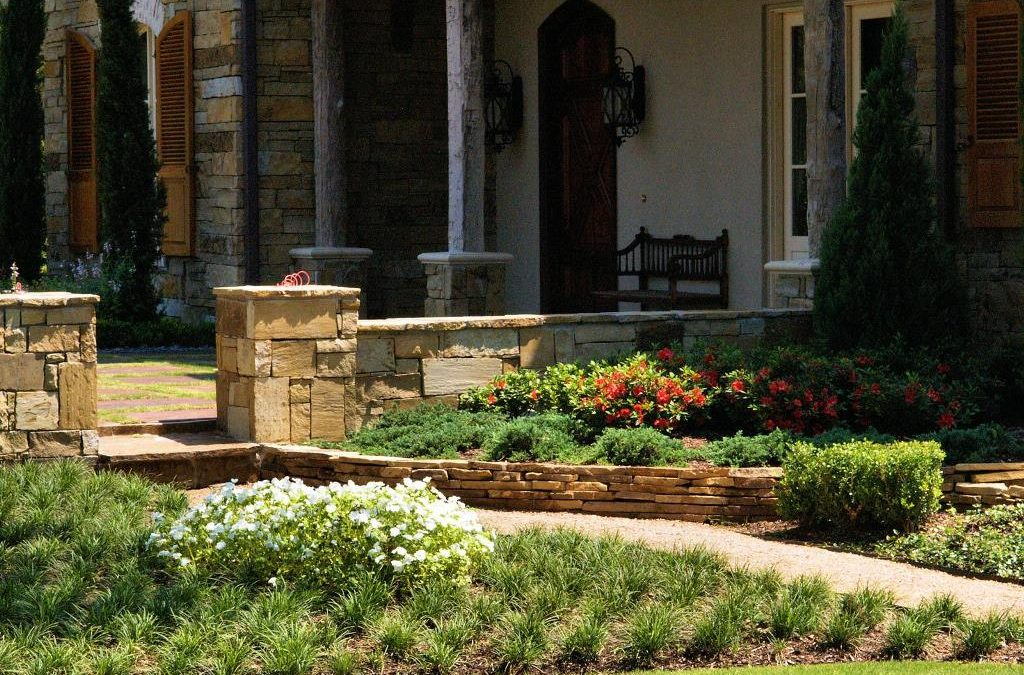 4 Essential Tips for Low-Maintenance Landscaping